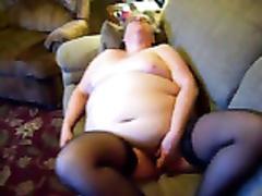 sub / Schlampe masturbiert für Freunde