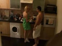 Heiße junge blonde Freundin Morgen Sex in der Küche