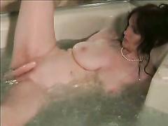 Wichsen in der Badewanne