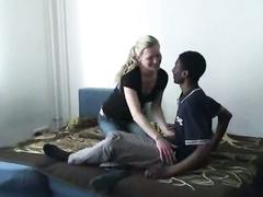 Hahnrei junge blonde deutsche Frau ficken hing schwarzen Jungen
